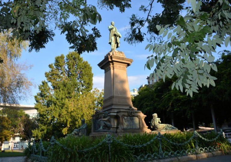 monumento Elduayen en Montero Rios